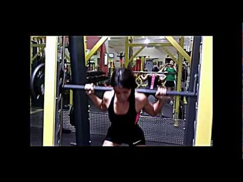 Leg Day with Muscle Gauge Nutrition-GAUGEGIRL82