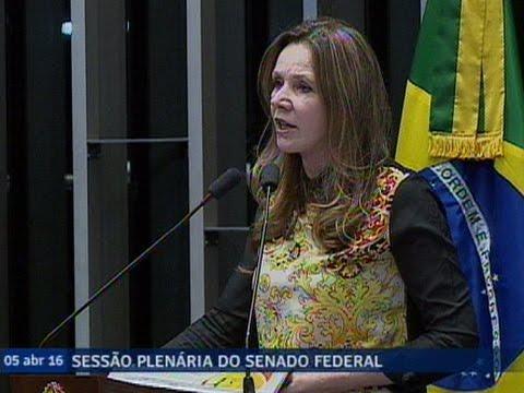 Vanessa Grazziotin Critica Reportagem De Revista Sobre Dilma Por Desqualificar A Presidente