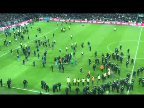 Incident - Le derby ASSE / OL (0-5) interrompu après l'envahissement du terrain - Footbol