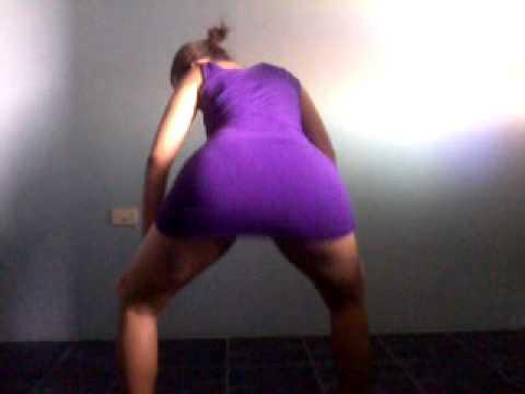 Novinha safadinha dancando playlist de funk - 2 4