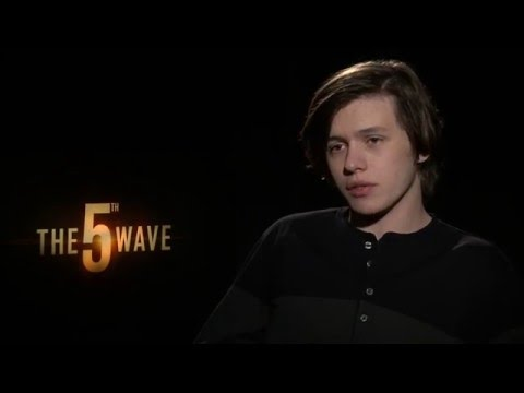 The 5th Wave Interview - Nick Robinson