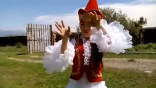 Кыргыз бийи. 1-класстын окуучусу Айгеримдин аткаруусунда