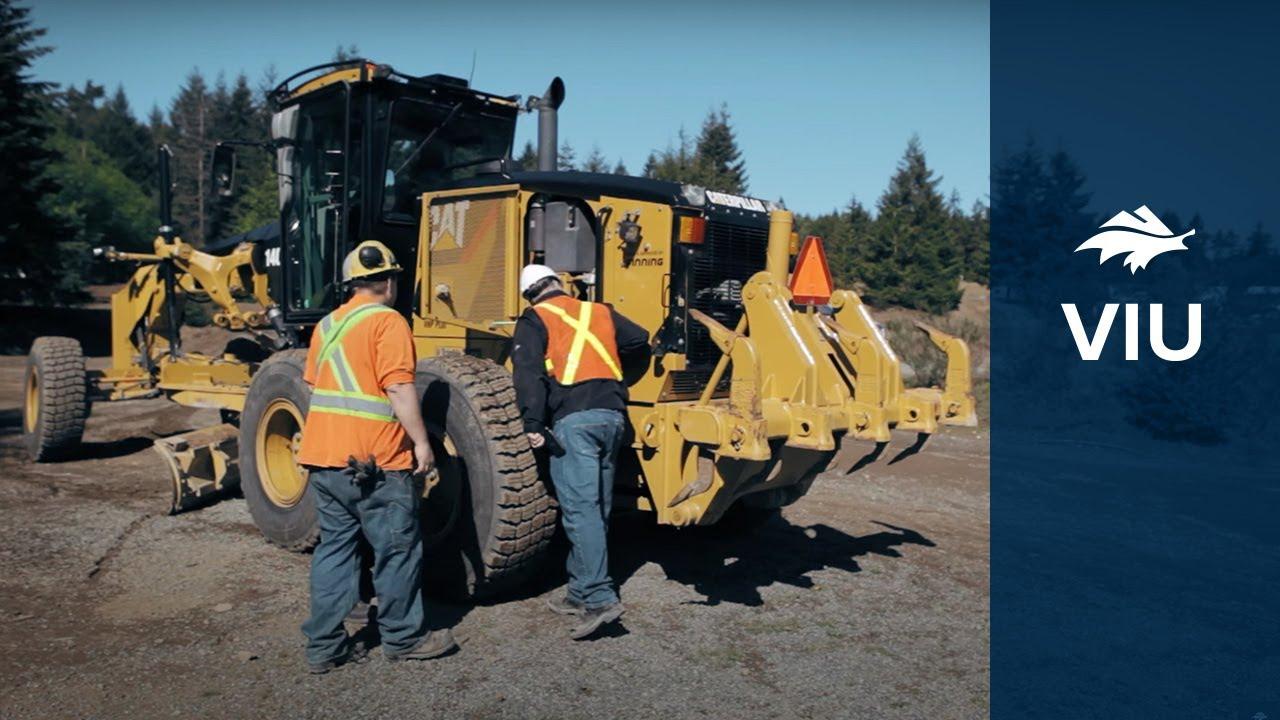heavy machine operator job description