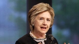 Hillary Clinton defends NFL players kneeling during anthem
