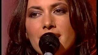 The Bangles - Eternal Flame - Top Of The Pops - October 2001