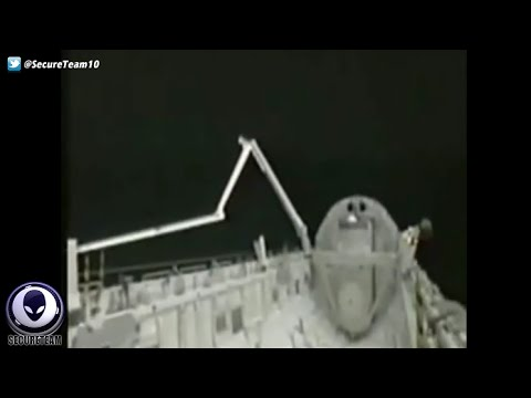 NASA SPOOKED During UFO Sighting At Space Shuttle 4/30/16