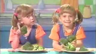 Young Mary-Kate & Ashley Singing: no one tells the president what to do