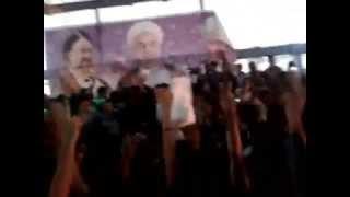شعار برای آزادی میرحسین و کروبی در همایش انتخاباتی روحانی در مازندران