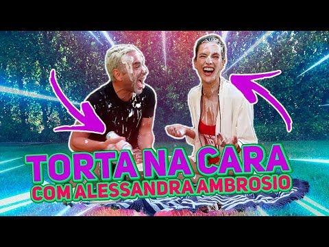 Torta na cara com Alessandra Ambrosio  HottelMazzafera