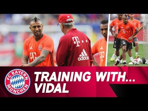Training with Arturo Vidal