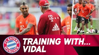 Training with Arturo Vidal | FC Bayern