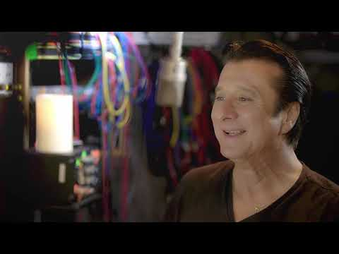 Steve Perry - Inside Traces: No More Cryin'