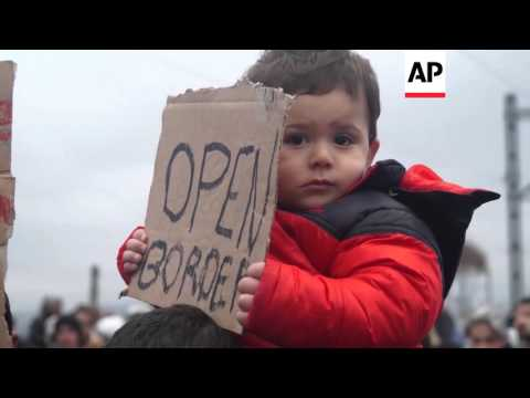 Greece - Migrants block railway at Macedonian border | Editor's Pick | 28 Feb 16