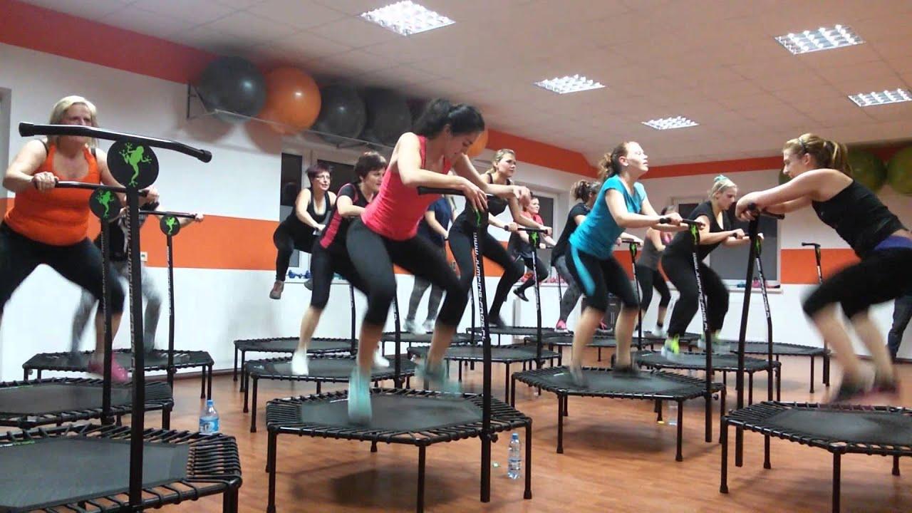 Jumping frog orange gym rogo nik poland no 1 youtube for Gimnasio jump lugo