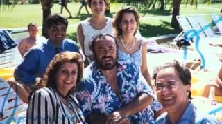 Luciano Pavarotti w/ Joey Issa & Family