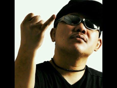 Free Download Doel Sumbang - Lalaki Lirik Mp3 dan Mp4