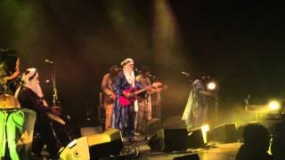 Tinariwen - Chaghaybou (live: MC2 Grenoble) + | O : |