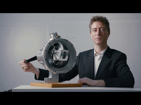 Steve Lindsey - Energy-saving rotary air compressor (ceremony)