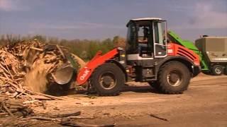Мобильная дробилка / измельчитель Willibald EP древесных отходов(, 2013-12-02T12:43:33.000Z)