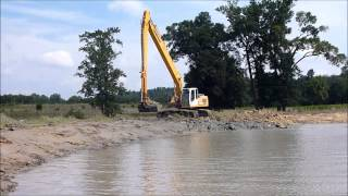 Liebherr 934 Long Reach Excavator Dredging Pond
