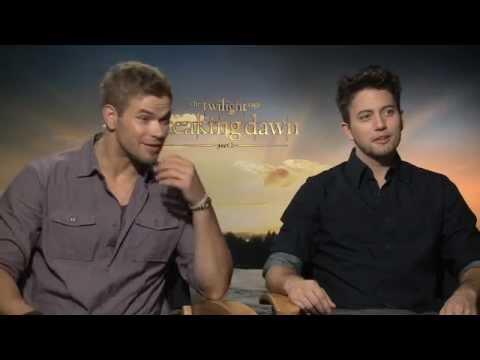 "Kellan Lutz (Emmett) and Jackson Rathbone (Jasper) Interview ""Twilight Saga: Breaking Dawn Part 2"""