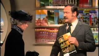 Grit Boettcher & Harald Juhnke - Beratung im Reisebüro 1980
