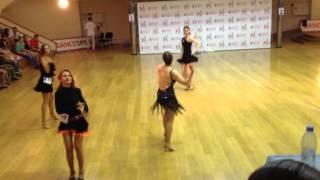 Сальса соло, чемпионат среди начинающих танцоров.