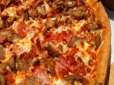 Dominos vs Pizza Hut - PIZZA WARS #1