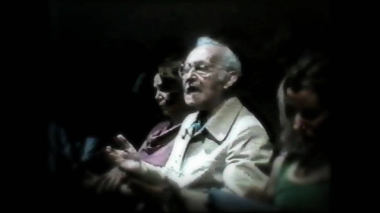 Lee Strasberg on Acting (Clip 1) - YouTube