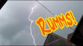Das Gewitter geht los - Unwetterwarnung der Wetterstation hat Recht
