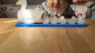 """3歳の娘が実際に遊んでいるところです めばえコース①の教材では""""あひる..."""
