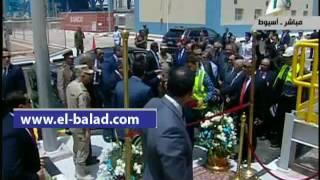 بالفيديو.. الرئيس يطلب من وزير الكهرباء رفع الستار عن مشروع محطة أسيوط