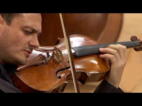 Maxim Rysanov conducts Tabakova Suite in Old Style