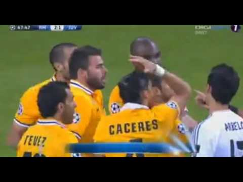 Giorgio Chiellini (Juventus) Red Card vs Cristiano Ronaldo (Real Madrid 2-1 Juventus)