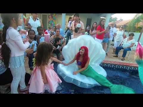 Real Life Swimming Ariel | Mermaid Elle