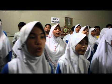 Lagu Daerah Sue Ora Jamu oleh paduan suara smp negeri 2 cibinong