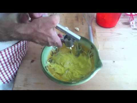 faire-une-sauce-aïoli---conseils-cuisine---sauce-aïoli-facile