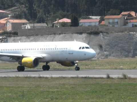 Despegue A320 Vueling (EC-HQI) en el aeropuerto de La Coruña - Alvedro