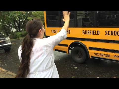 Mom gets emotional on Daughters first day of School bus