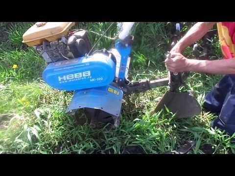 Быстрый способ посадки клубней картофеля без лопаты.
