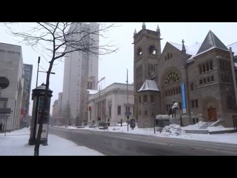 Montreal in Snow Storm Winter Feb 2016 - St Catherine , McGill College & Sherbroke Street