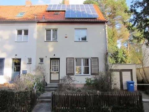 Modernisierungsbedürftige Doppelhaushälfte Mit Garage Und Garten Unweit  Onkel Toms Hütte