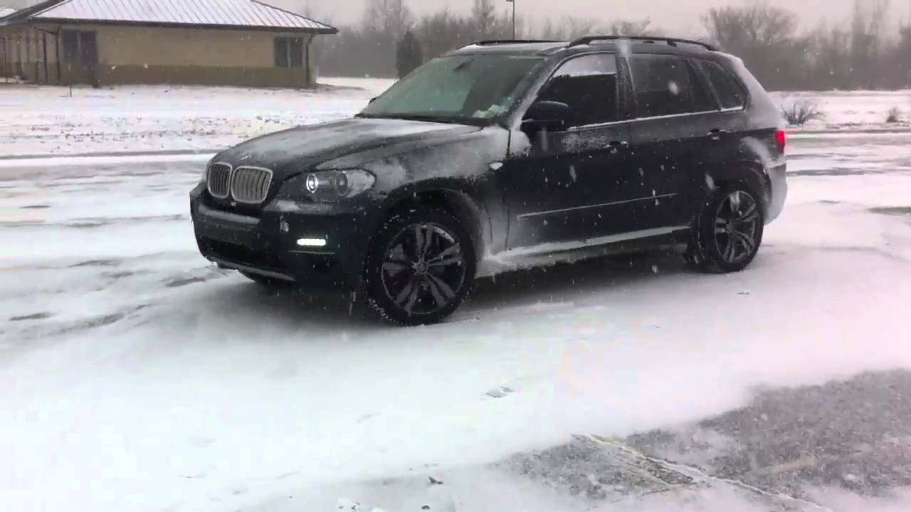2011 bmw x5 diesel in new york snow youtube. Black Bedroom Furniture Sets. Home Design Ideas