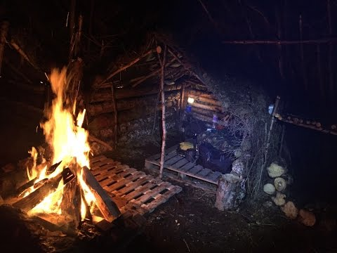 SOLO STORMY DEBRIS VILLAGE CAMP AND SHELTER BUILDING