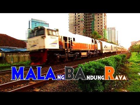 Kereta Api Eksekutif Bisnis Ekonomi Malabar Meninggalkan Kota Bandung