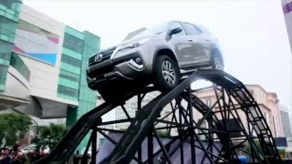 Download Video Jajal Ketangguhan All New Fortuner di Sirkuit Buatan MP3 3GP MP4