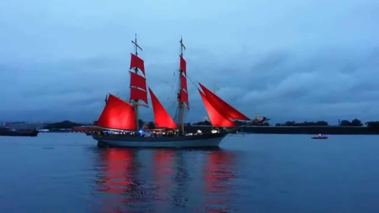 фото корабль с алыми парусами