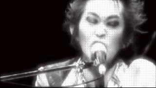 雑踏 作詞・作曲:忌野清志郎、三宅伸治 雨の 音で 歌が作れたなら 乾か...