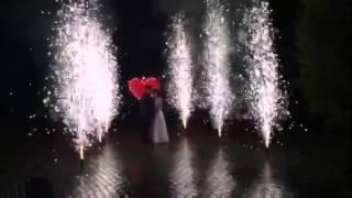 Горящее сердце и фонтаны на свадьбе
