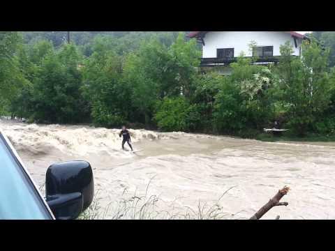 Hochwasser surfer oberösterreich